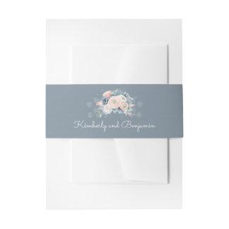 挨りだらけの青およびモモの花のエレガントな結婚式 招待状ベリーバンド