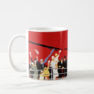 振っているヴィンテージの遊航船の乗客さようなら コーヒーマグカップ