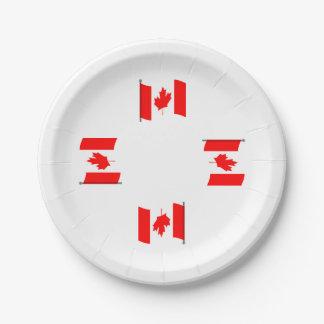 振るカナダの旗の紙皿 ペーパープレート