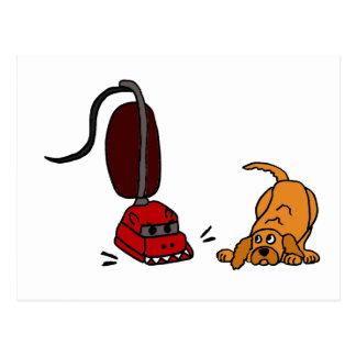 掃除機を恐れているおもしろい犬 ポストカード