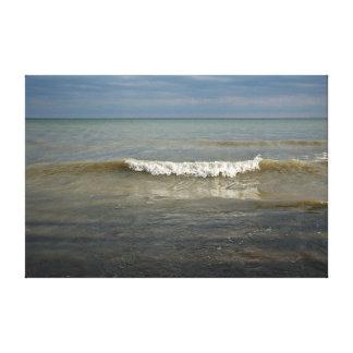 接近の白い帽子の波の反射の景色 キャンバスプリント
