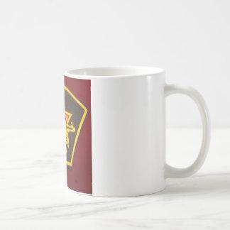 握りこぶしおよび赤い星 コーヒーマグカップ
