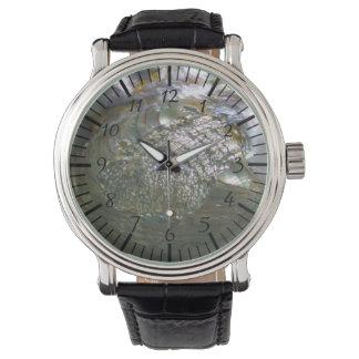 揺らめくアワビの貝殻、美しい自然 腕時計
