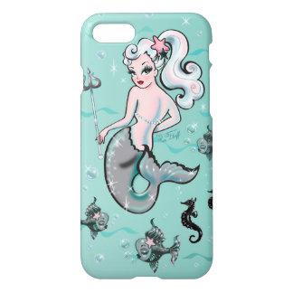 携帯電話の箱を見ているPearlaの人魚 iPhone 7ケース