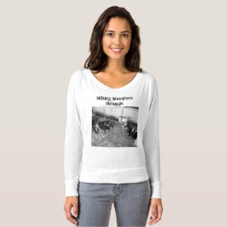 搾り出すショートホーンおよびホルスタインTシャツ Tシャツ