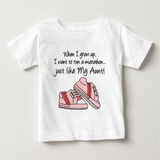 操業マラソンはちょうど私の叔母さんを好みます ベビーTシャツ