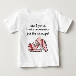 操業マラソンはちょうど私の祖父を好みます ベビーTシャツ