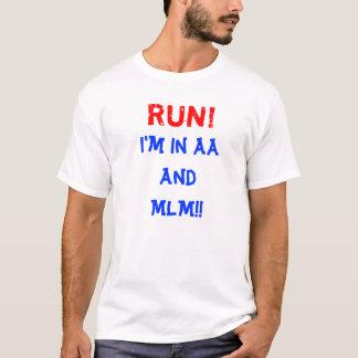 操業!  私はオウムおよびMLMにあります! Tシャツ