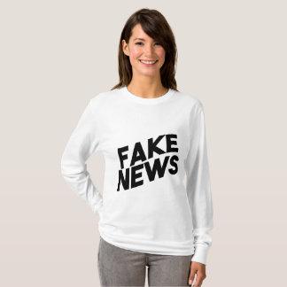 擬似ニュースの流行のポストの真実 Tシャツ
