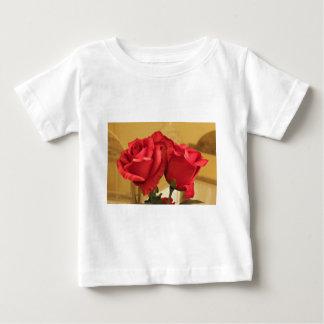 擬似プラスチックバラ ベビーTシャツ