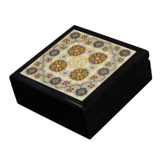 擬似十字のステッチによって刺繍される箱 ギフトボックス