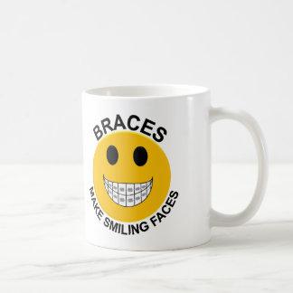 支柱は微笑の顔のコーヒー・マグを作ります コーヒーマグカップ