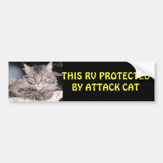攻撃猫が保護するこのRV バンパーステッカー