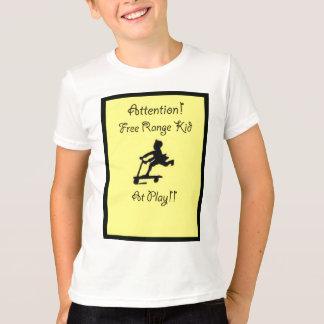 放し飼いの子供のティー Tシャツ