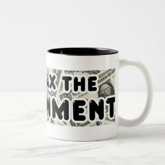 政府のマグに課税しよう ツートーンマグカップ