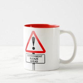 政府の汚職の警告 ツートーンマグカップ