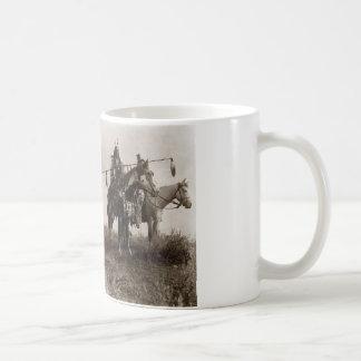 政府を信頼できましたり尋ねますインディアンに考えて下さい コーヒーマグカップ