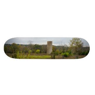 故国のサイロの景色 スケボーデッキ