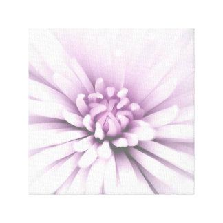 敏感な咲く花 キャンバスプリント