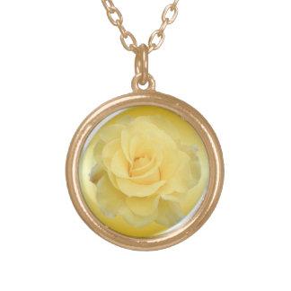 敏感な黄色バラ#1 ゴールドプレートネックレス