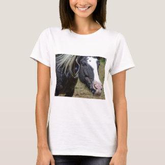 救助された馬 Tシャツ