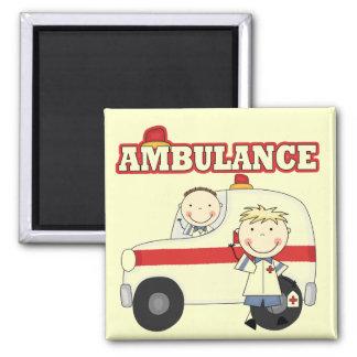 救急車のTシャツおよびギフト マグネット
