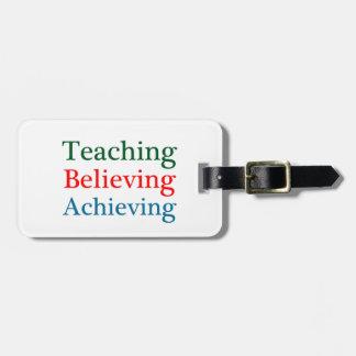 教えること達成を信じます ラゲッジタグ