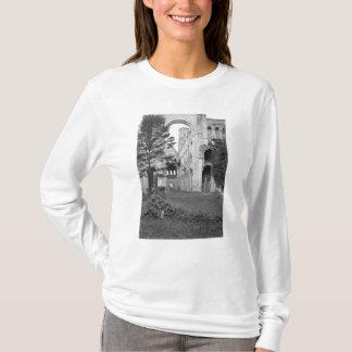 教会インテリアの眺め、c.1052-67 tシャツ