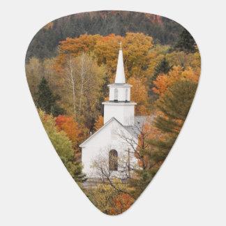 教会、ヴァーモント、米国との秋の景色 ギターピック