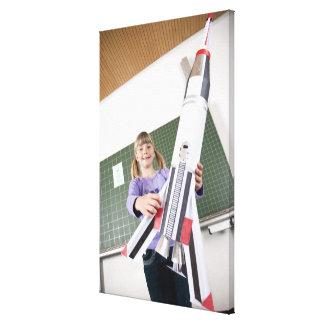 教室の保有物の若い女の子のポートレート キャンバスプリント