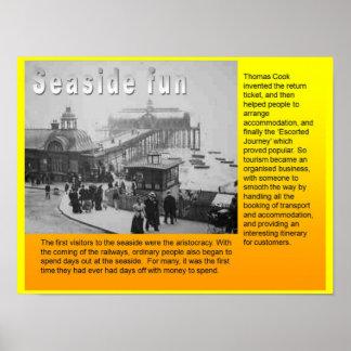 教育、旅行および観光事業の海岸のおもしろい ポスター