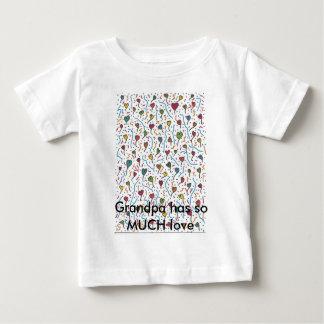 数々のなハートA7の祖父に愛がそんなにあります ベビーTシャツ