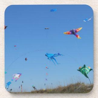 数々のな色凧の十分の空 コースター