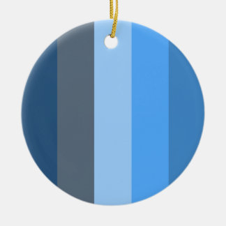 数々の青い セラミックオーナメント