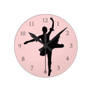 数を用いるバレエ ラウンド壁時計
