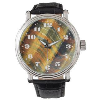 数を用いる虎眼石の宝石用原石 腕時計