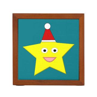 整頓された幸せで小さいクリスマスの星の机 ペンスタンド