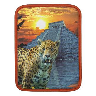 斑点を付けられたジャガー及びマヤの寺院の大きな猫のiPadの袖 iPadスリーブ