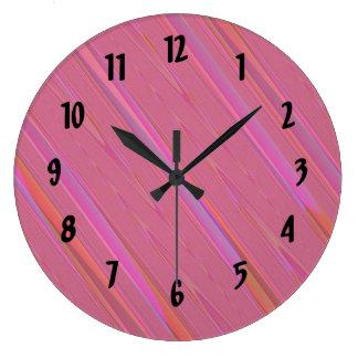 斜めのピンクの抽象芸術パターン ラージ壁時計
