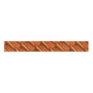 斜めの素朴なマツ板 グログランリボン