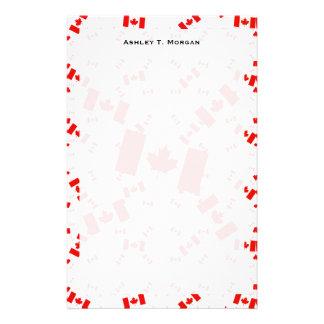 斜め多数のカラフルな層のカナダの旗 便箋