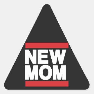 新しいお母さんの赤 三角形シール