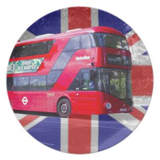 新しいロンドンの赤バス プレート