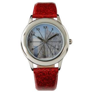 新しい山の雪の腕時計 腕時計