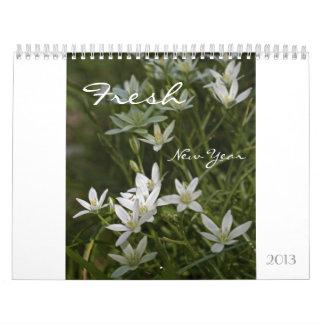 新しい新年2013の花柄のカレンダー カレンダー