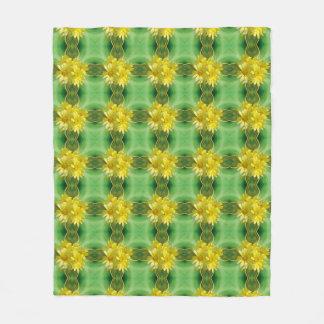 新しい日光の黄色のデイジー フリースブランケット