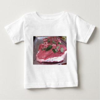 新しい未加工大理石模様をつけられた肉ステーキ ベビーTシャツ