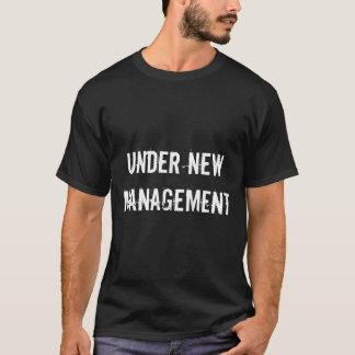 新しい管理おもしろいな結婚式メンズTシャツの下 Tシャツ