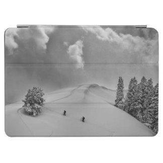 新しい粉のBackcountryのスキークライマー iPad Air カバー