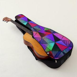 新しくモダンな三角形 ギターケース